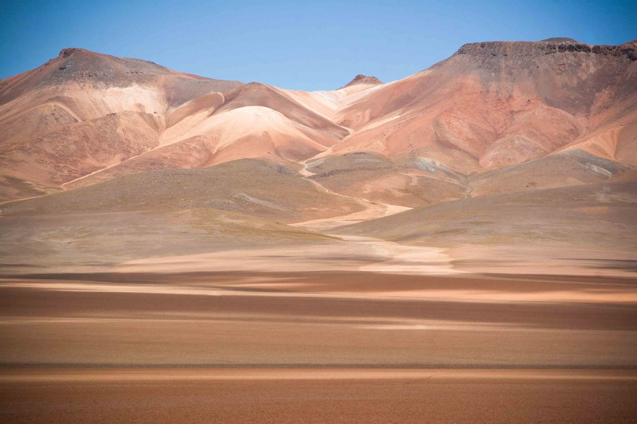 587600-hot-atacama-desert